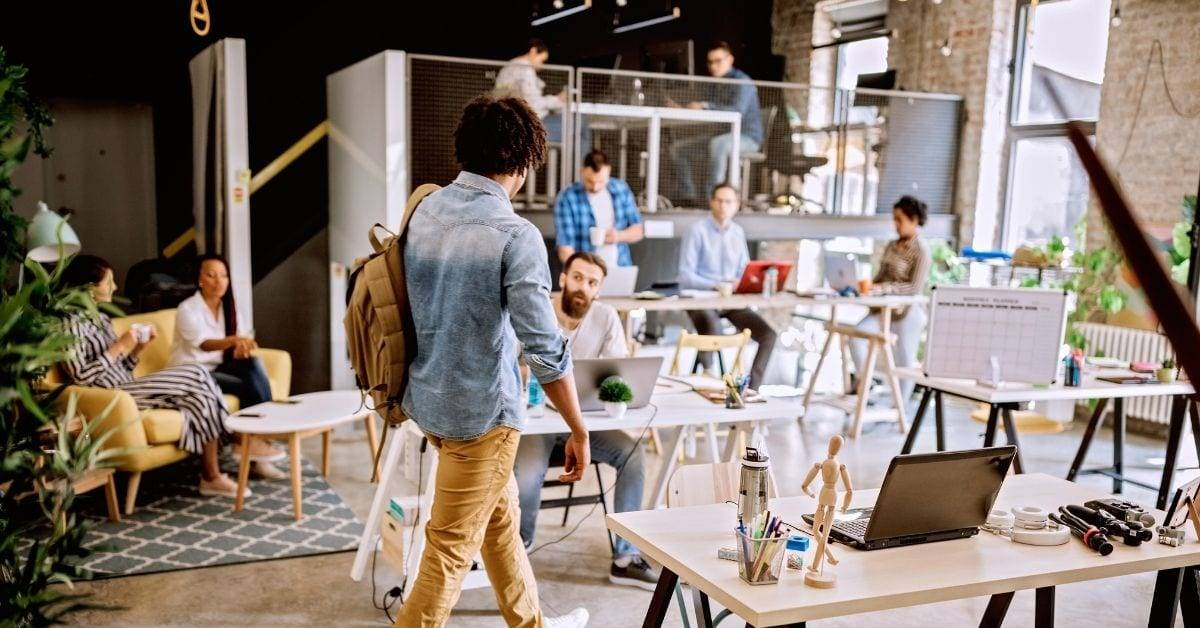 Bringing employees back to work with workspace booking software